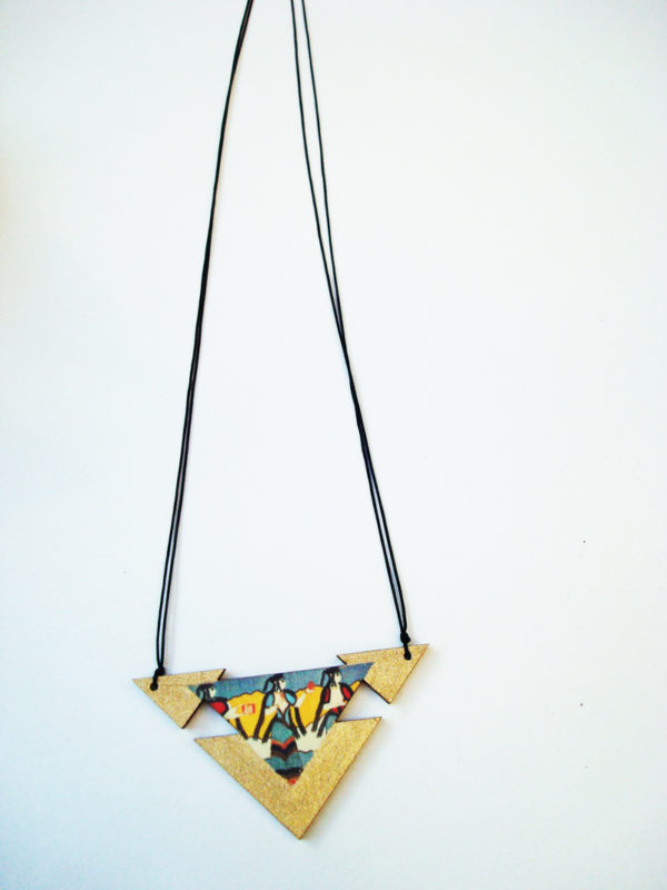 the mycenean triangle necklace
