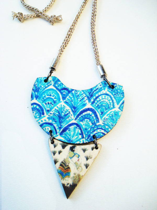 the saffron picker necklace product photo3